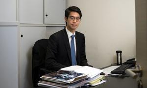Con trai trùm bất động sản Hong Kong phải tiết kiệm tiền để mua nhà