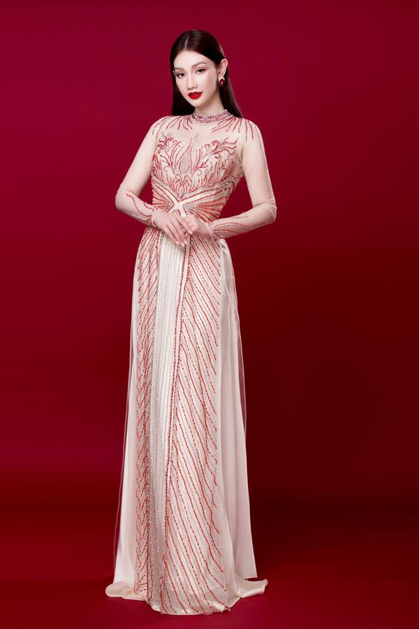 Người đẹp Việt tỏa sáng trong áo dài lấp lánh