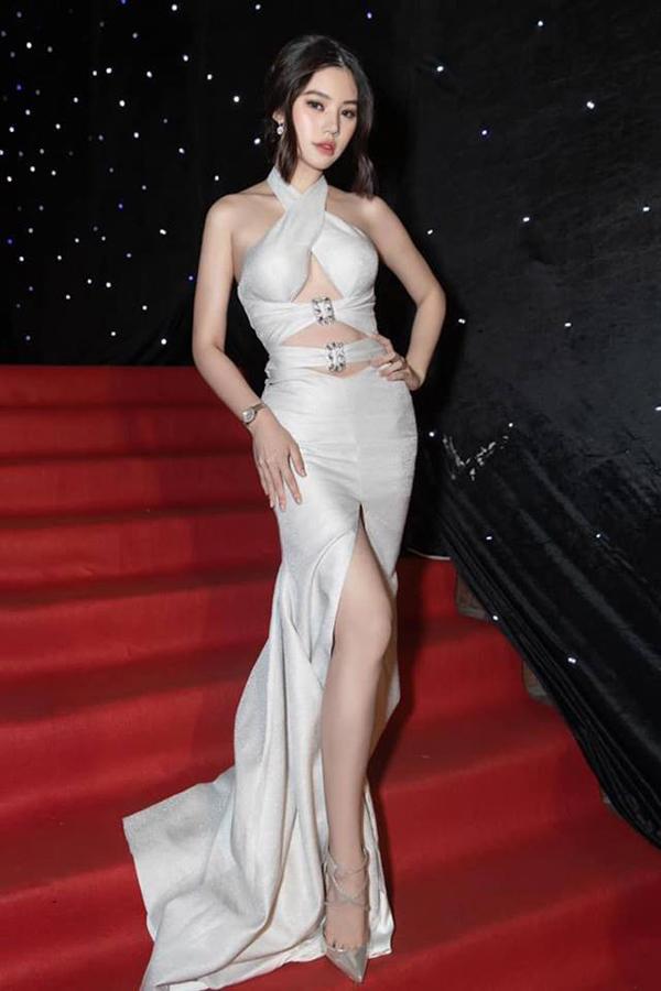 Sao Việt khuấy đảo mốt váy cut-out - 2