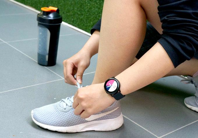 Galaxy Watch Active: Phụ kiện cho bạn gái năng động - 3