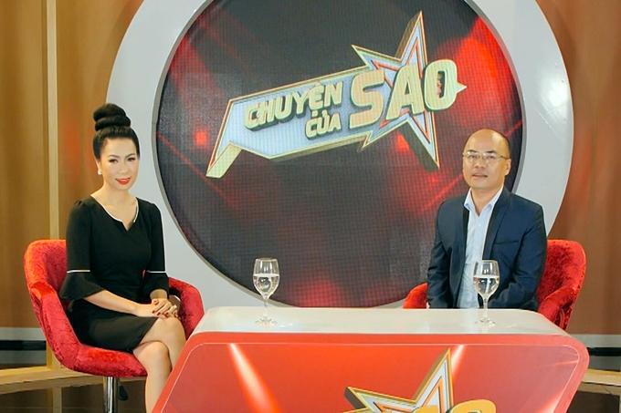 Trịnh Kim Chi trò chuyện cùng nhà báo Minh Đức trong chương trình.