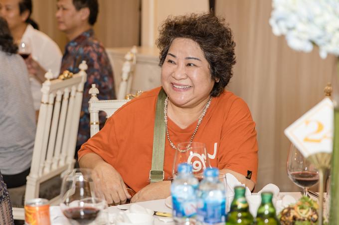 Nghệ sĩ Minh Vượng mừng ra mặt vì NSND Trung Hiếu thoát kiếp ế sau nhiều năm.