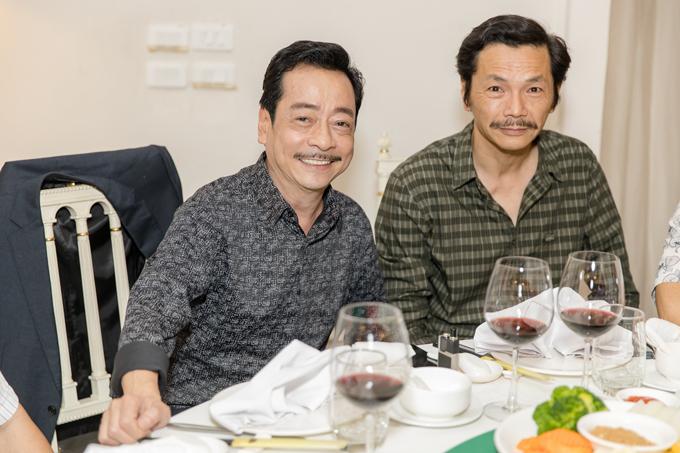 NSND Hoàng Dũng và nghệ sĩ Trung Anh. Cả hai đều được khán giả yêu mến qua phim Người phán xử.