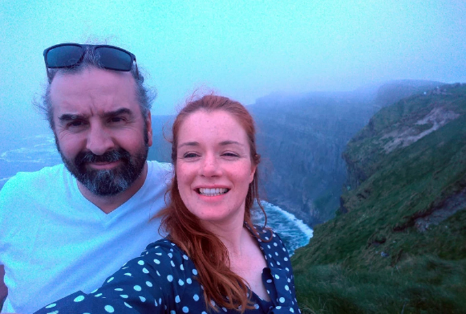 Alex Conn và Sarah Lynch (người Anh) đang hẹn hò được 8 tháng. Ảnh: FB.