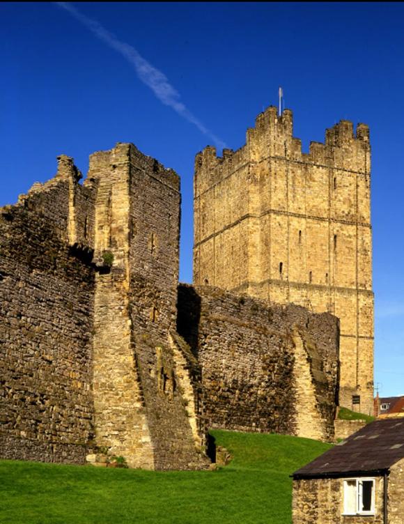 Lâu đài Richmond, North Yorks, Anh được xây dựng từ thế kỷ 11 và hiện là di sản văn hóa được bảo tồn của Anh. Ảnh: English Heritage.