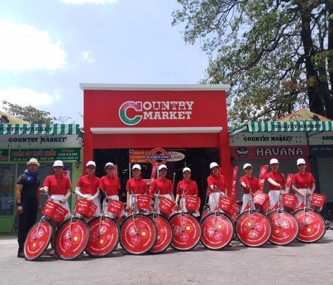 Khu chợ thường xuyên tung nhiều chương trình giảm giá và tặng voucher cho khách tham quan.  Liên hệ: Country Market - 18D Phan Văn Trị, phường 10, quận Gò Vấp, TP HCM. Hotline: 0903704399 - 0938546479.