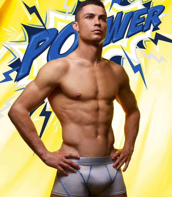 C. Ronaldo hoá trang nhân vật Avengers: Endgameđể ra mắt đồ lót