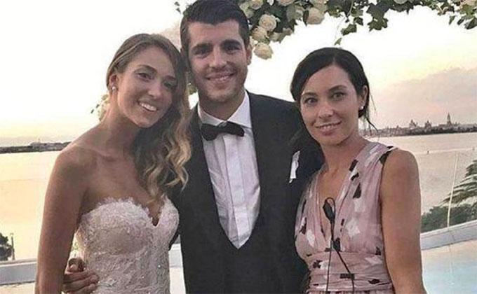 Eleonora Rioda chụp cùng vợ chồng Morata.