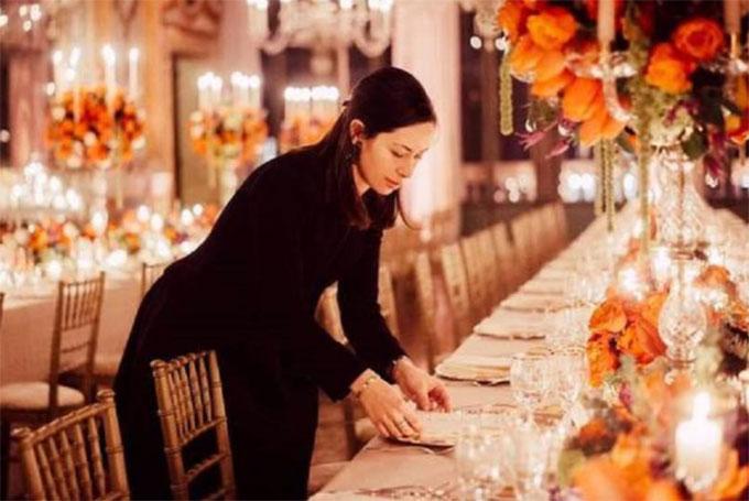 Eleonora Rioda trong một đám cưới do công ty cô tổ chức.