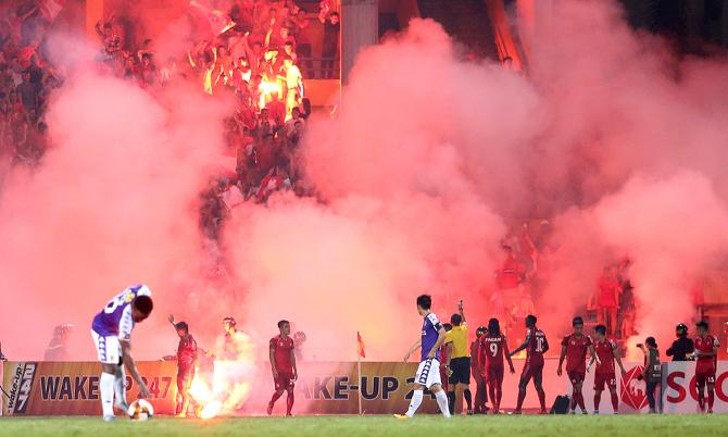 CLB Hà Nội được xóa án treo sân