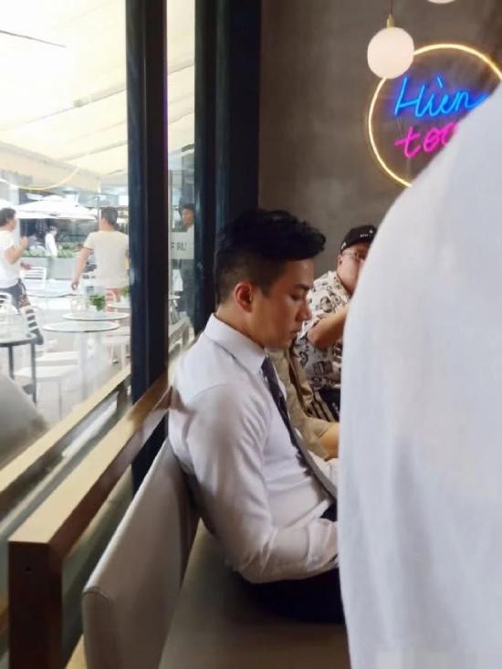 Lưu Khải Uy đóng phim trở lại sau 4 tháng ly dị - 4