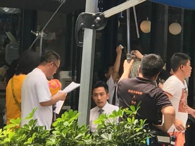 Lưu Khải Uy đóng phim trở lại sau 4 tháng ly dị - 1
