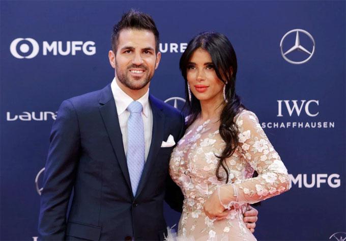Vợ Messi và bà xã Fabregas đọ vòng một - 6