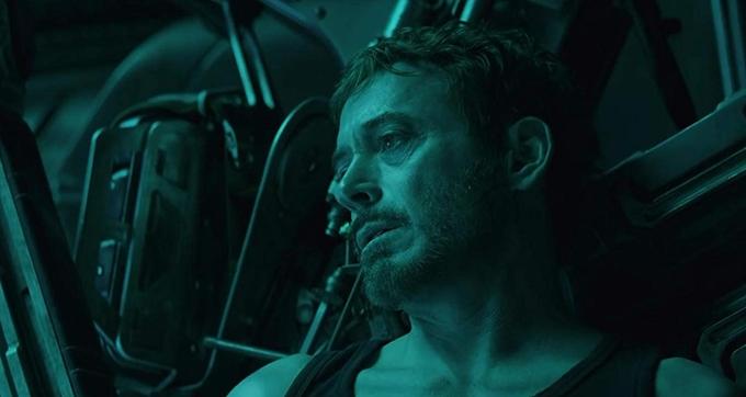 Iron Man Robert Downey Jr. trong một cảnh ở phần đầu của phim Avengers: Endgame.
