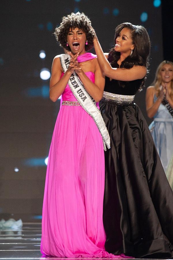 Nữ sinh tóc mỳ gói đăng quang Miss Teen USA 2019