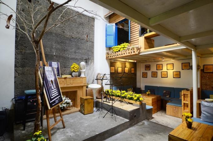 Ba quán cà phê nhạc nhẹ ở Sài Gòn cho người không đi chơi lễ