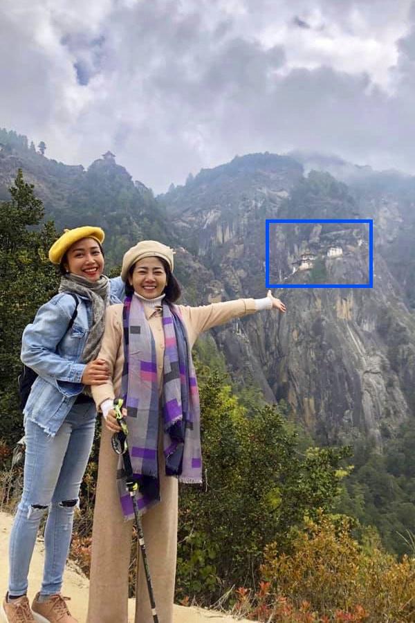 Trong ngày tiếp theo tại Bhutan, diễn viên Ốc Thanh Vân (trái) và Mai Phương cùng đến thăm Tigers Nest (khung xanh).