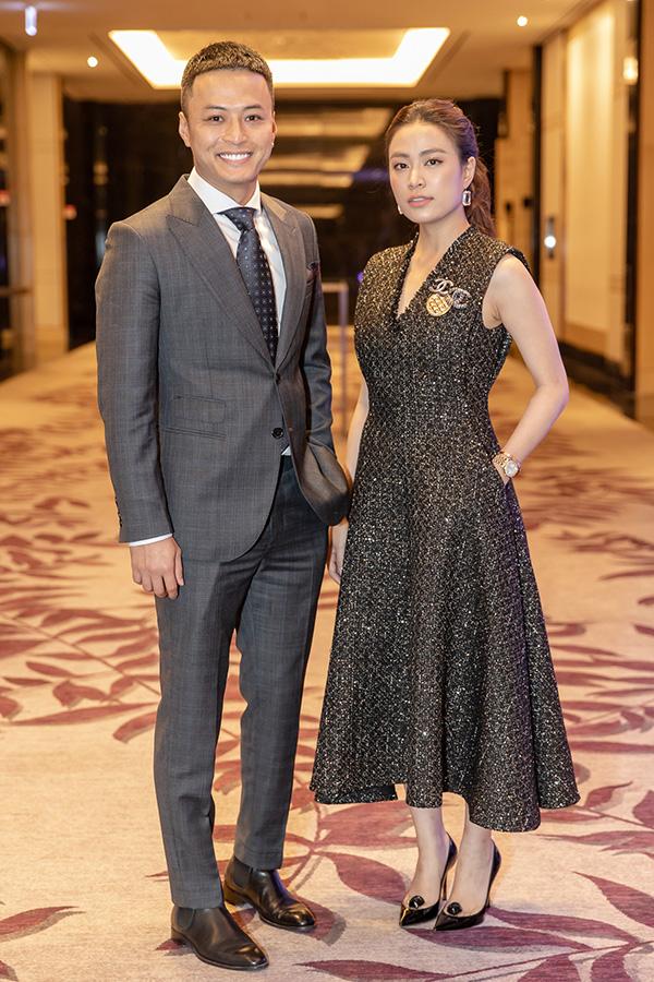 Hoàng Thuỳ Linh và Hồng Đăng tại buổi họp báo ra mắt phim Mê cung.