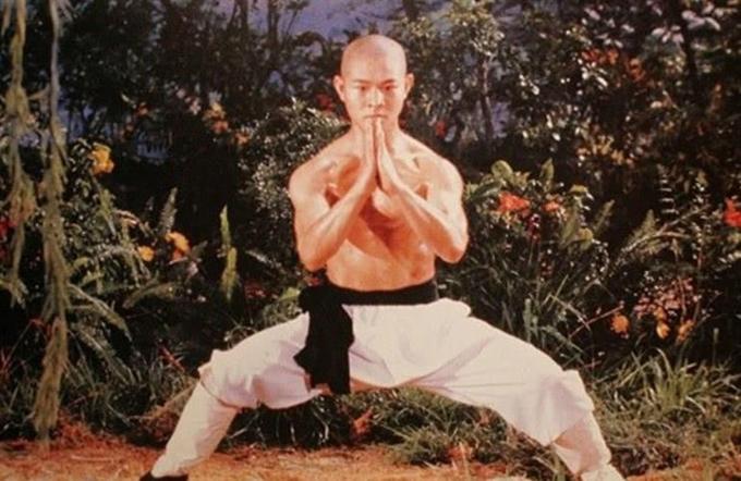 Lý Liên Kiệt trẻ măng trong phim Thiếu Lâm tự.
