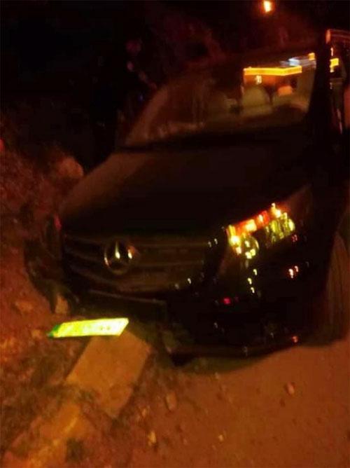 Chiếc xe chở Sural và 6 đồng đội gặp tai nạn