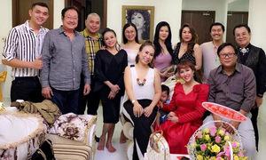 Phi Thanh Vân đón tuổi 37 bên con trai và bạn bè