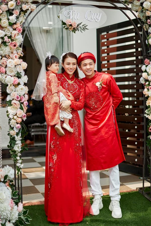 Cặp đôi đã có một con gái nhỏ  tên Bào Ngư nhưng hiếm hỏi chia sẻ hình ảnh vì muốn bảo vệ tuổi thơ của bé.