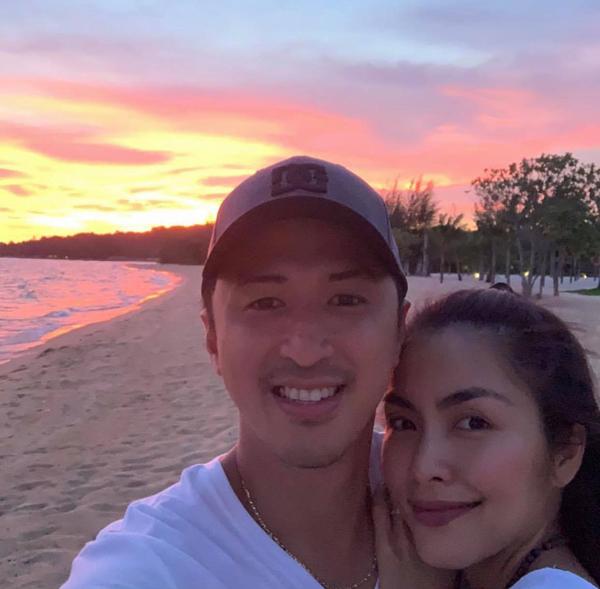 Cũng như nhiều gia đình sao Việt khác, dịp nghỉ lễ 30/4-1/5, vợ chồng Tăng Thanh Hà tranh thủ đi du lịch cùng các con. Cặp đôi chọn một resort sang trọng ở Phú Quốc để tận hưởng những ngày nghỉ bình yên bên nhau.
