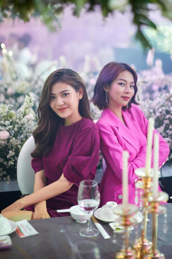 Dàn khách mời còn có nhiều người đẹp,trong ảnh là Chúng Huyền Thanh và Phí Phương Anh. Họ vẫn giữ mối quan hệ thân thiết sau cuộc thi The Face 2016.