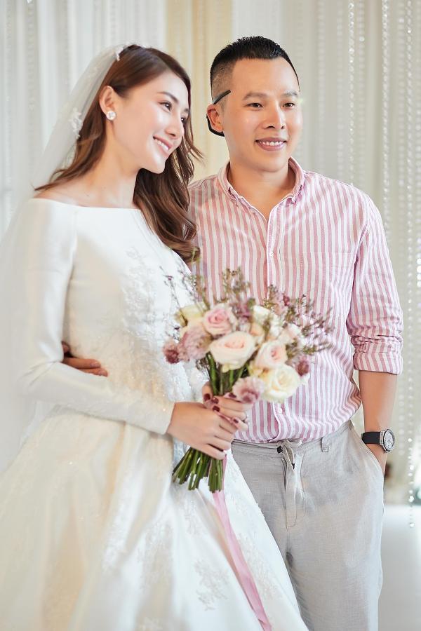 Vũ Khắc Tiệp chúc vợ chồng Lê Hà mãi hạnh phục bên nhau.