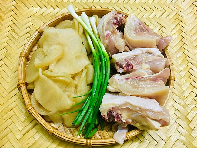 Canh gà củ cải muối - 1