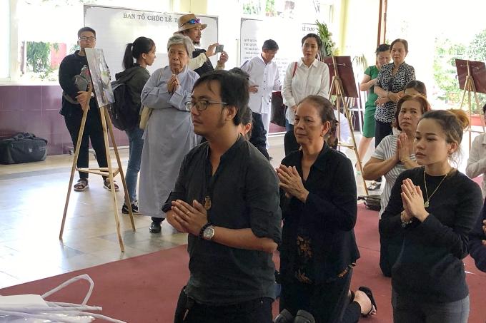 Gia đình nghệ sĩ Lê Bình tổ chức tang lễ chiều 1/5.