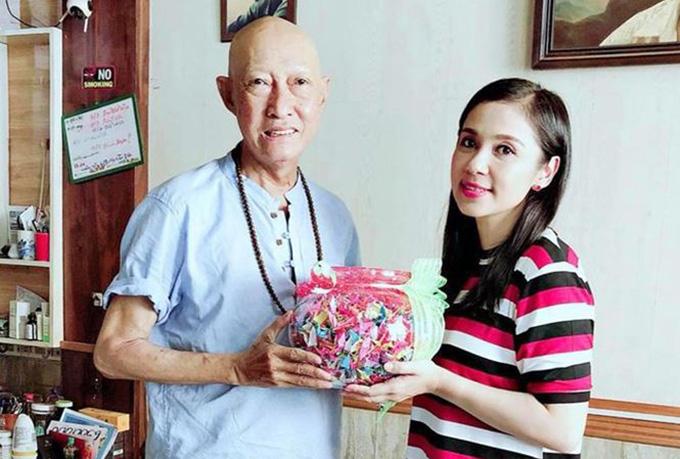 Việt Trinh từng tặng Lê Bình 1000 con hạc giấy.