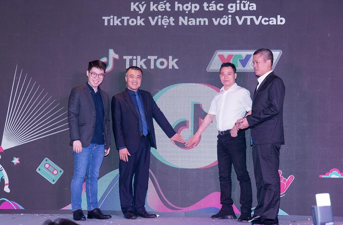 Ký kết hợp tác lâu dài giữa TikTok và VTVcab vào ngày 24/4 vừa qua.