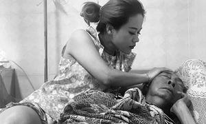 Nghệ sĩ Lê Bình đau đớn trên giường bệnh những ngày cuối đời