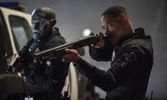 Will Smith (phải) đóng chính trong phim Bright.