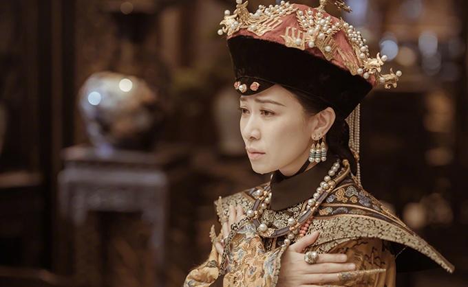 Xa Thi Mạn vào vai Kế hoàng hậu trong phim Diên Hy công lược.