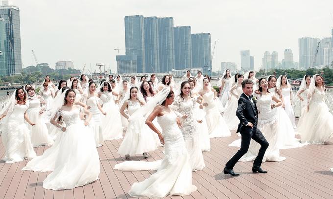 Đàm Vĩnh Hưng quay MV ngoài trời cùng 40 diễn viên đủ mọi lứa tuổi, đóng vai các cô dâu.