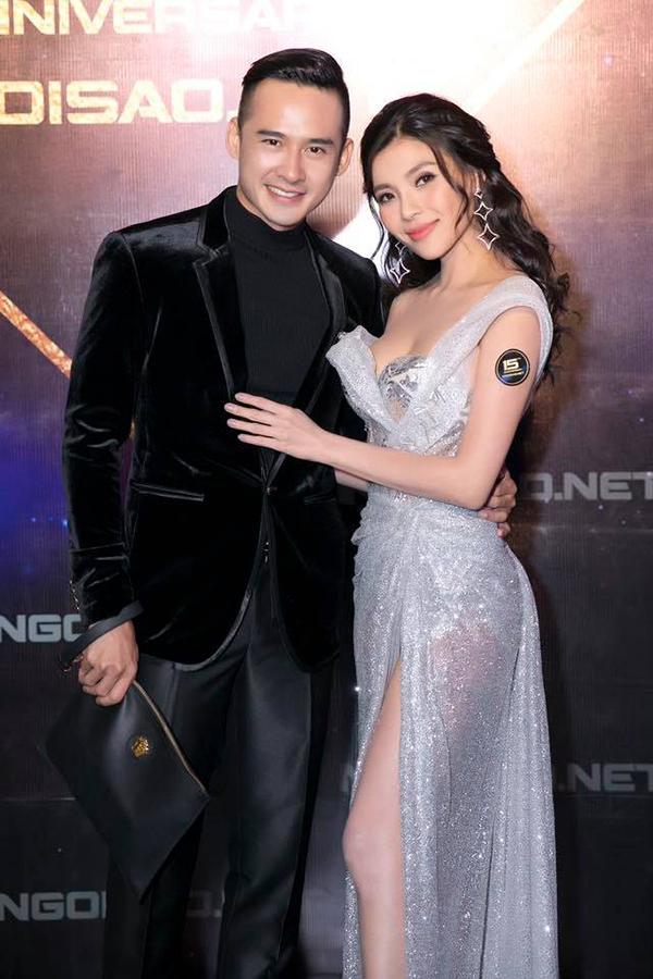 Vợ chồng Lương Thế Thành - Thúy Diễm tại tiệc kỷ niệm sinh nhật 15 tuổi của báo Ngôi Sao.