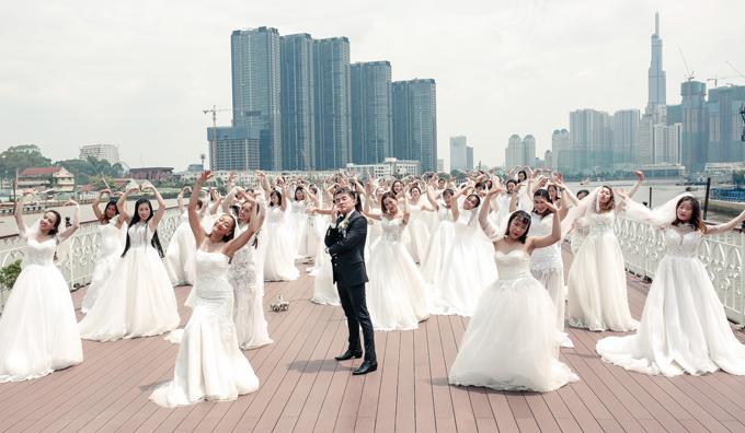 Mr Đàm bị 40 cô dâu đè bẹp khi quay MV mới - 5
