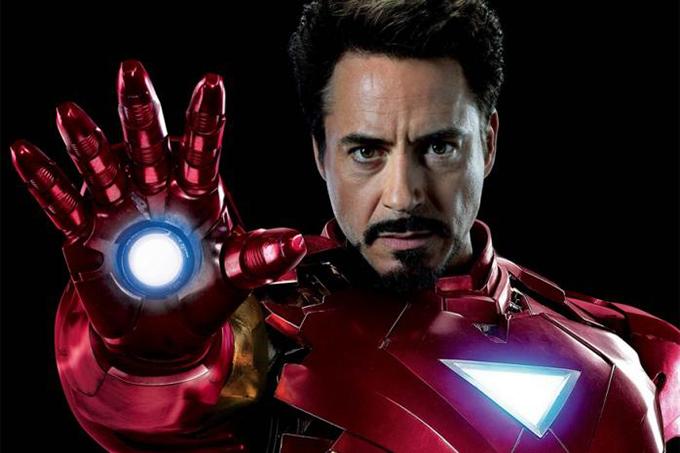 Iron Man Robert Downey Jr. là người được trả cát-xê cao nhất trong dàn siêu anh hùng Avengers. Tài tử đều đặn được chia lợi nhuận từ các phim của Marvel anh tham gia. Riêng với Avengers: Infinity War (Avengers: Cuộc chiến vô cực)thu về hơn 2 tỷ USD năm ngoái, anh được trả tới 106 triệu USD. Chỉ quay phim SpiderMan: Home Coming (SpiderMan: Trở về nhà) trong ba ngày, anh cũng được trả 7 triệu USD. Với Avengers: Endgame (Avengers: Hồi kết) đang chiếu rạp, Robert ước tính nhận 75 triệu USD khi phim cán mốc 2 tỷ USD doanh thu toàn cầu.
