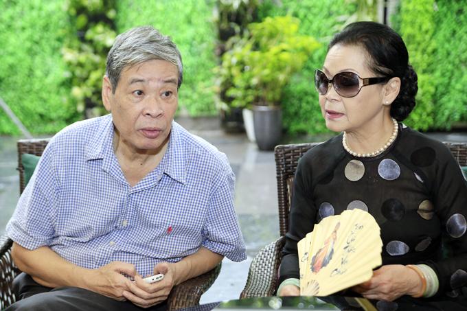 Ngoài chuyến đi từ thiện, Khánh Ly còn gặp gỡ các nhà thơ Thụy Kha, Bằng Việt và nhiều người yêu nhạc Trịnh Công Sơn để trò chuyện thân tình.