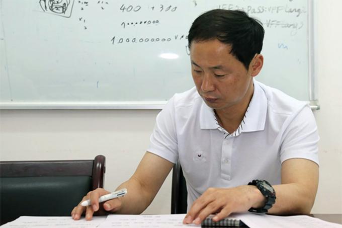 Trợ lý Kim Han-yoon tại trụ sở VFF. Ảnh: VFF.