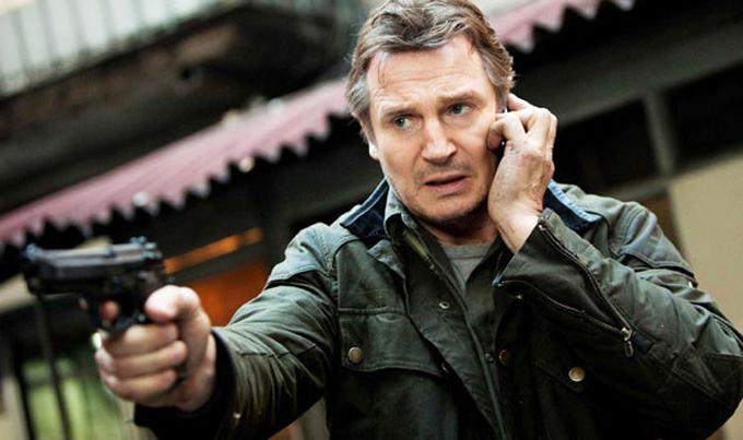 Với phim Taken năm 2008, Liam Neeson được trả cát-xê 1 triệu USD. Nhưng với phần 2 chiếu vào bốn năm sau, tài tử gạo cội nhận tới 20 triệu USD khi phim thu tới 300 triệu USD tiền bán vé toàn cầu.