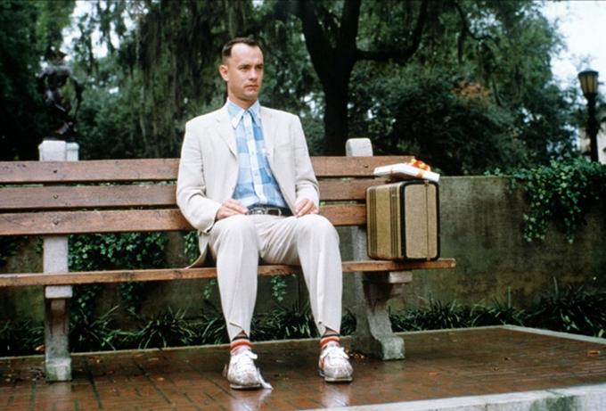 Tương tự như Jack Nicholson, Tom Hanks cũng nhận lời đóng chính Forrest Gump với thỏa thuận nhận hoa hồng từ doanh thu phòng vé hơn 680 triệu USD. Bộ phim mang về cho tài tử hơn 60 triệu USD cùng tượng vàng Oscar Nam chính xuất sắc.