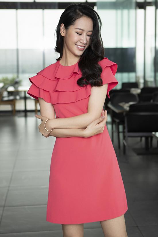 Với Dương Thùy Linh chọn trang phục là một trong những yếu tố quan trọng để phái đẹp có thể tự tin nhất. Tiêu chí Hoa hậu Dương Thùy Linh chọn là ưu tiên sự thoải mái và phù hợp