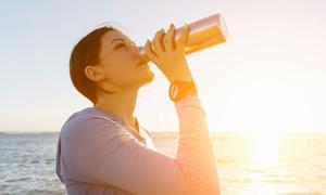 12 dấu hiệu cho thấy cơ thể đang cần 'bơm' thêm nước