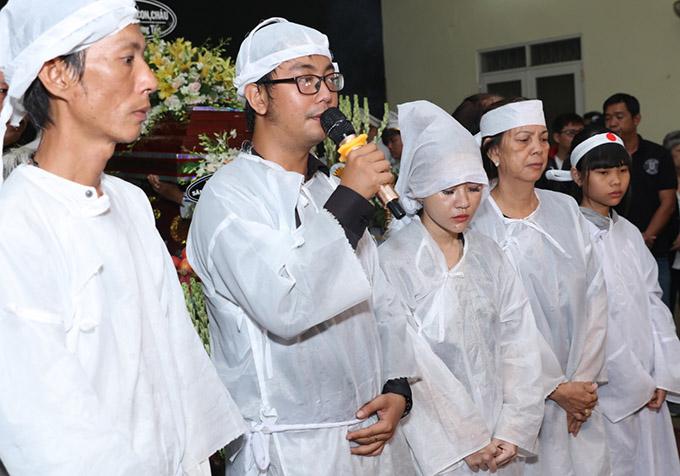 Con út của Lê Bình nói lời cảm ơn các nghệ sĩ và khán giả đã tới tiễn đưa bố.