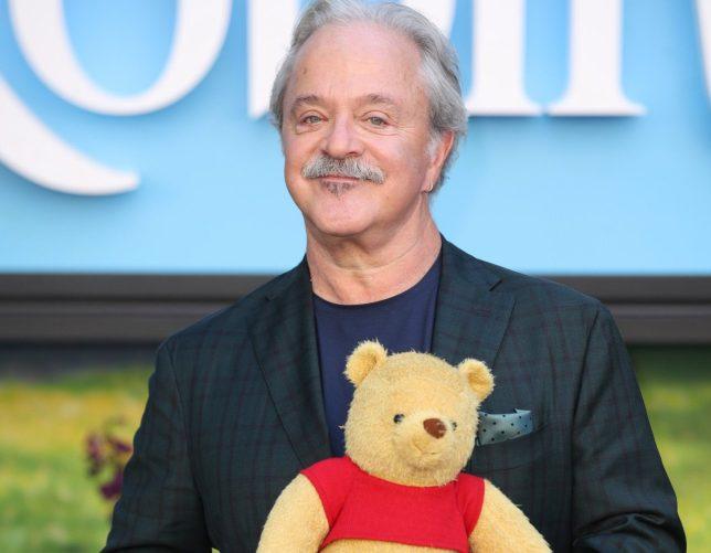 Jim Cummings nổi tiếng với việc lồng tiếng nhân vật gấu Pooh.