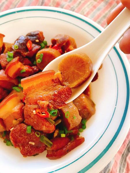 Thịt kho củ cải muối
