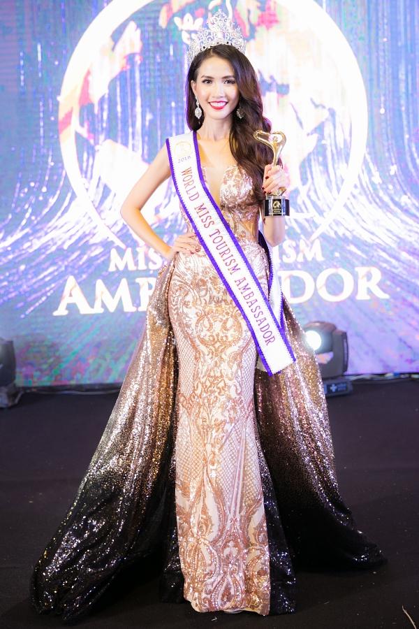 Người đẹp Phan Thị Mơ đăngquang Hoa hậu Đại sứ Du lịch Thế giới 2018 vào năm 28 tuổi.